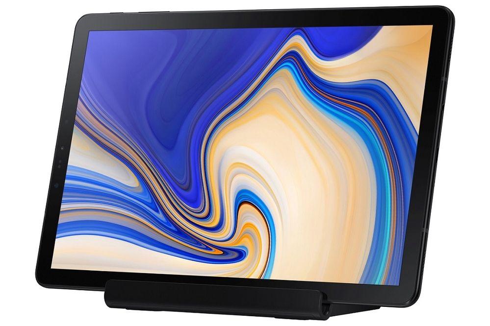 Galaxy-Tab-A-10.5-Charging-Stand-Press-8.jpg