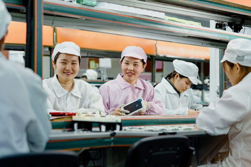 Homenaje a todas las mujeres emprendedoras del sector tecnológico. Fuente: Descubreapple. (https://www.descubreapple.com/homenaje-apple-creadoras-programadoras-dia-internacional-mujer.html)