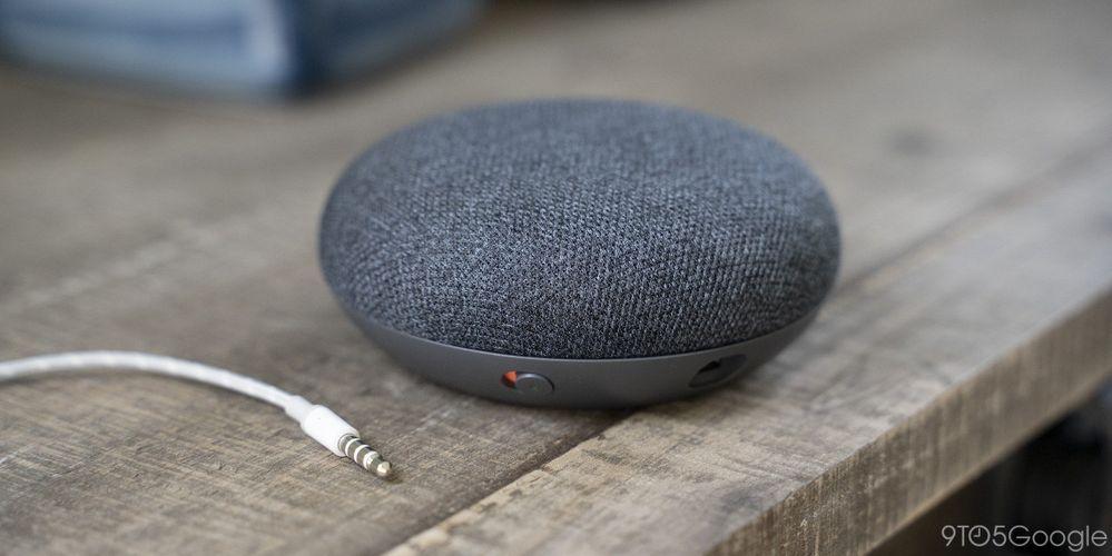 ¿Sabías que el nuevo Nest Mini cuenta con tres micrófonos? Fuente: 9to5Google. (https://9to5google.com/2019/08/21/exclusive-google-nest-mini-2nd-gen/)