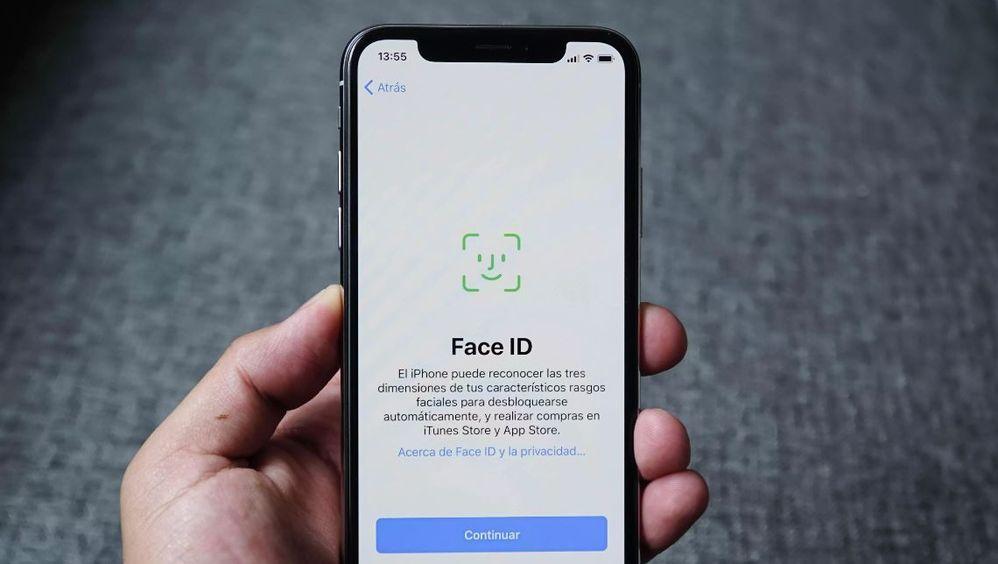 Llegó con el iPhone X y mejorará con el 12. Fuente: CNet (https://www.cnet.com/es/noticias/iphone-x-face-id-como-configurarlo/)