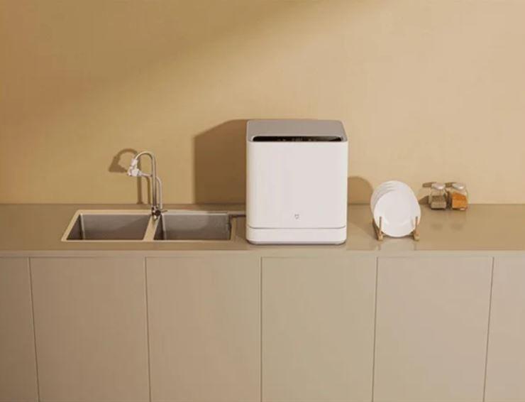 ¿Tienes un bebé? Es ideal y práctico para lavar los biberones de manera exclusiva. Fuente: Domótica en Casa (https://domoticaencasa.es/xiaomi-lavavajillas-inteligente-portatil/)