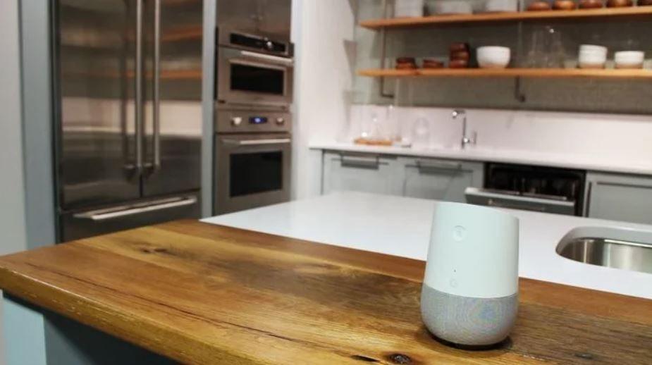 La integración del asistente con tu cocina es ya un hecho. Fuente: Domótica en Casa (https://domoticaencasa.es/google-assistant-se-prepara-para-controlar-toda-la-cocina/)