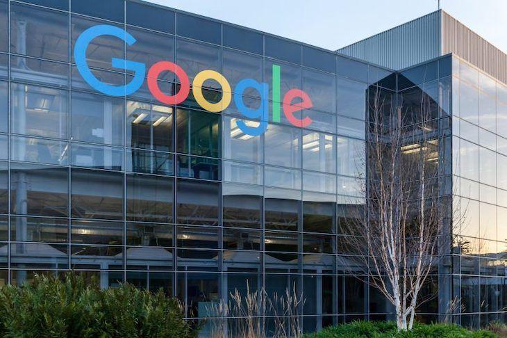 En lo que a sostenibilidad se refiere, Google está dejando el listón bien alto. Fuente: Ecoticias (https://www.ecoticias.com/residuos-reciclaje/205690/Google-apuesta-materiales-reciclados)