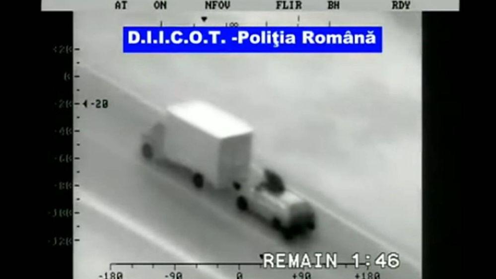 Un asalto de película!! Fuente: Vandal (https://vandal.elespanol.com/noticia/1350740213/playstation-5-las-bandas-asaltan-los-camiones-para-robar-las-consolas-de-sony/)