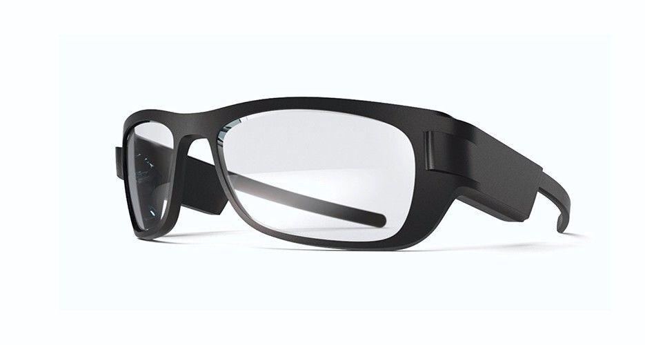 Primero el casco, luego las gafas. Fuente: Xataka (https://www.xataka.com/realidad-virtual-aumentada/gurman-desliza-nuevos-detalles-casco-realidad-virtual-apple-sera-caro-nicho-se-espera-para-2022)