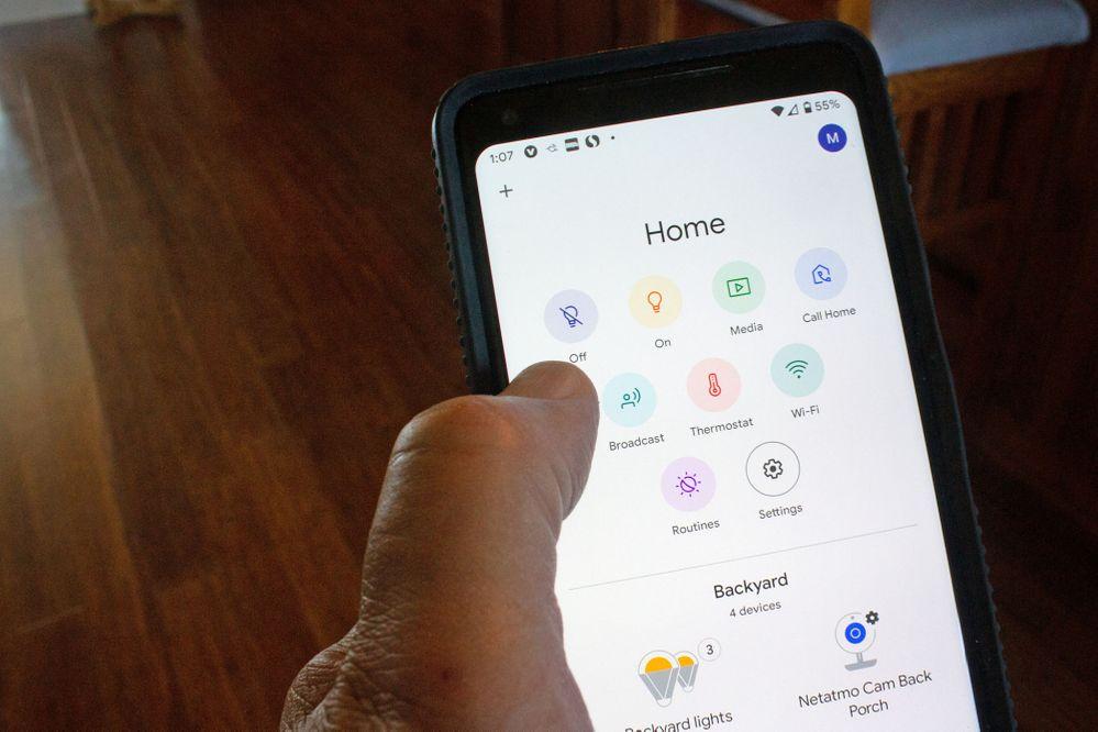 No lo olvides: la app puede darte más ayuda de lo que crees. Fuente: TechDrive (https://www.techhive.com/article/3528911/10-cool-things-you-can-do-with-google-home-devices.html)