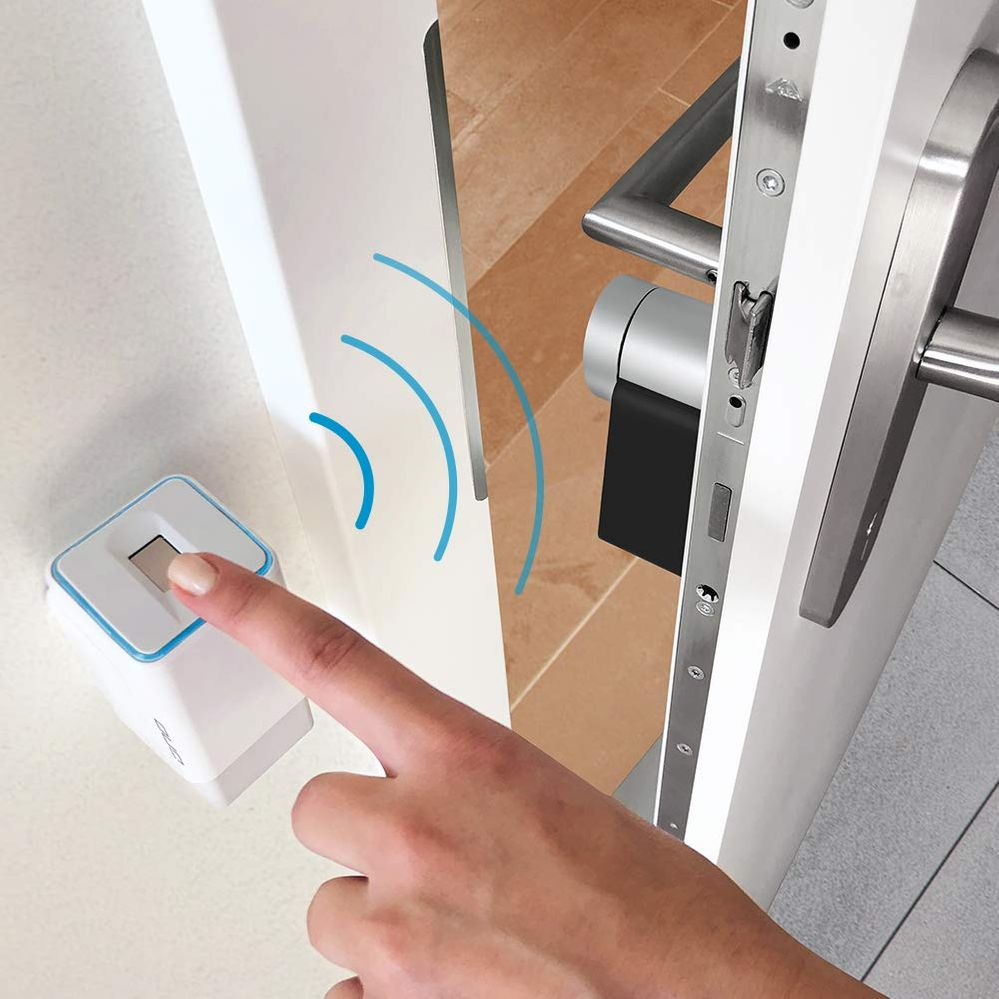 ¿A que es un sistema de lo más sencillo? Fuente: Tienda de Amazon (https://www.amazon.es/Fingerprint-bater%C3%ADa-radiocontrol-incluye-Smart/dp/B089T5KJLW)
