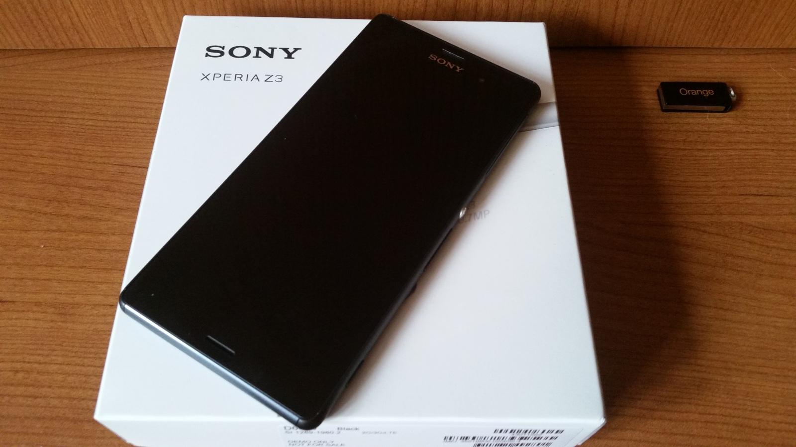 Sony Xperia sobre la caja